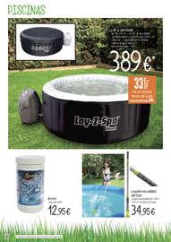Terraza, jardín, playa y piscina